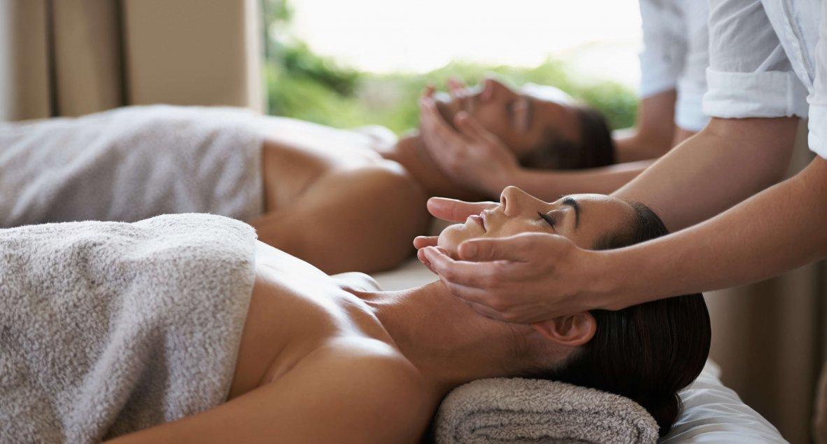 Verwöhnende Paarmassage im Spa Resort Styria in Bad Waltersdorf