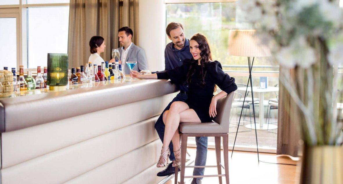 Unsere Hotelbar SAPHYRIA ist der ideale Ort an dem Urlaubstage einen luxuriösen Ausklang finden